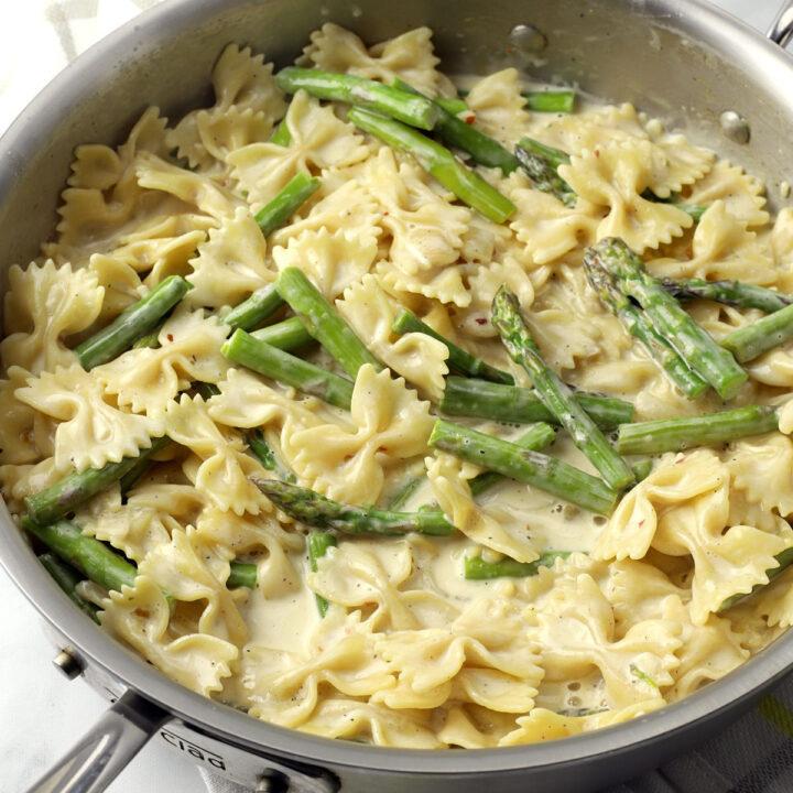 Creamy asparagus pasta recipe.