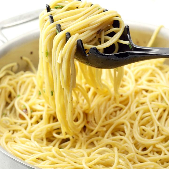 Spaghetti aglio e olio recipe.