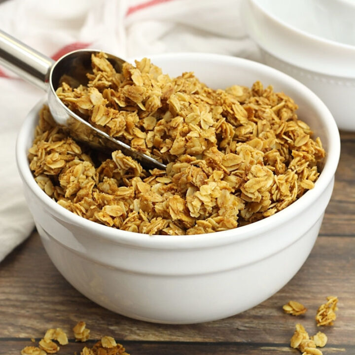Five ingredient vanilla granola recipe.