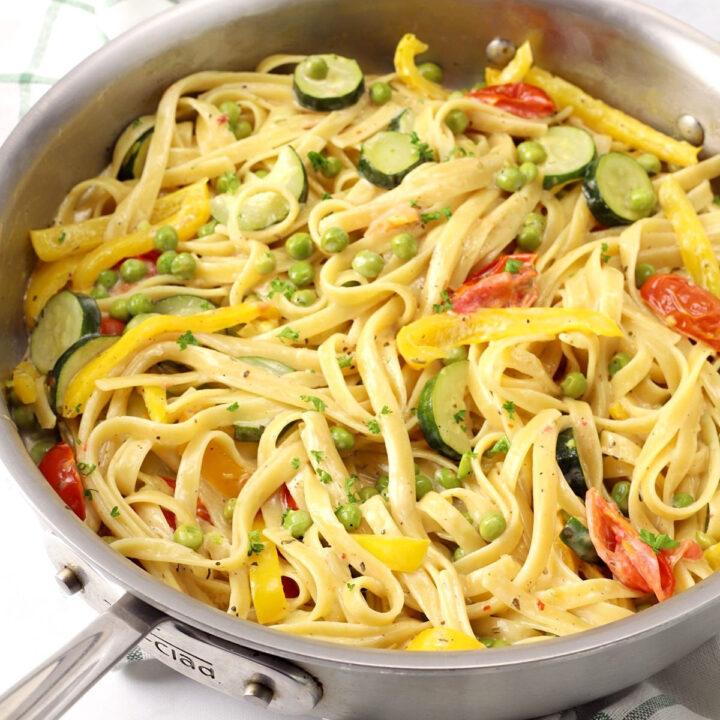 One pot creamy pasta primavera recipe.