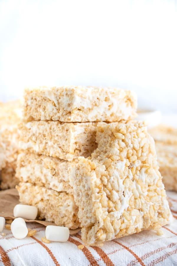 Vegan rice krispies treats filled with marshmallows.